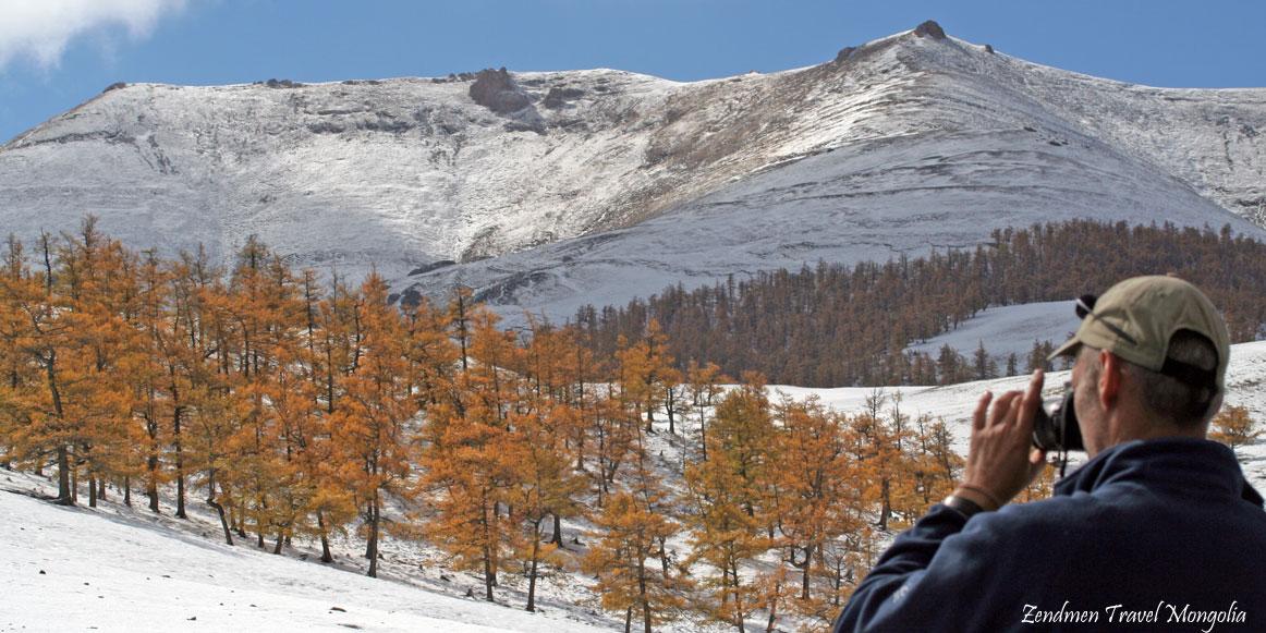 Autumn trek in Hasagt Hairhan Mountains