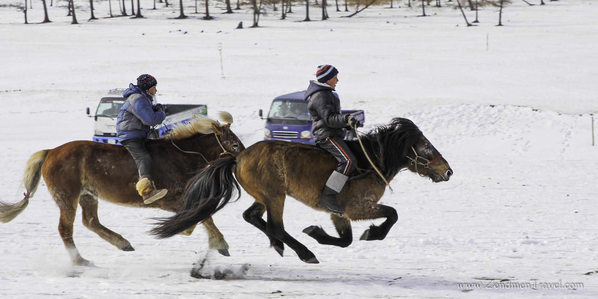 horse race during winter